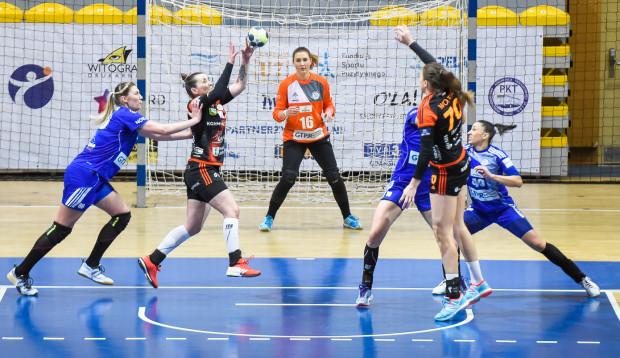Siedem piłkarek ręcznych odchodzi z GTPR Gdynia. W piątek po raz ostatni w miejscowej drużynie zobaczymy m.in. (od lewej): Joannę Szarawagę, Weronikę Kordowiecką i Patricię Machado-Matieli.