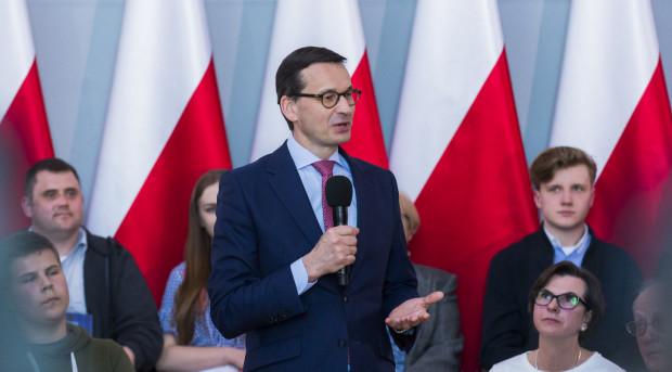 Premier RP Mateusz Morawiecki musiał przerwać spotkanie z mieszkańcami w sali BHP.