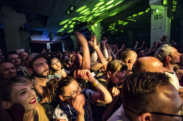 Popularność GusGus w Polsce jest zdecydowanie większa niż w wielu innych krajach. Tylko tutaj mogą zagrać pięć koncertów z rzędu i wyprzedać największy klub koncertowy na Pomorzu.