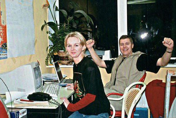 Zdjęcie wykonane w pierwszych latach działalności Trojmiasto.pl. Nasza redakcja składała się wówczas z dwóch osób: Agnieszki Bomby (dziś wiceprezes) i Michała Kaczorowskiego (prezes i redaktor naczelny). Dziś w Trojmiasto.pl pracuje ok. 90 osób.