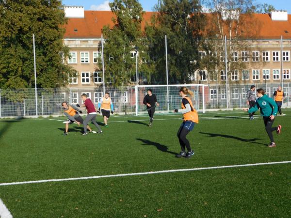 Trening z frisbee.