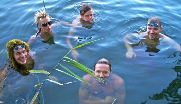 Wojtek Mazolewski Quintet. Najpierw w jeziorze, potem w analogowym studio Radia Gda�sk, a w sobot� w Klubie �ak.