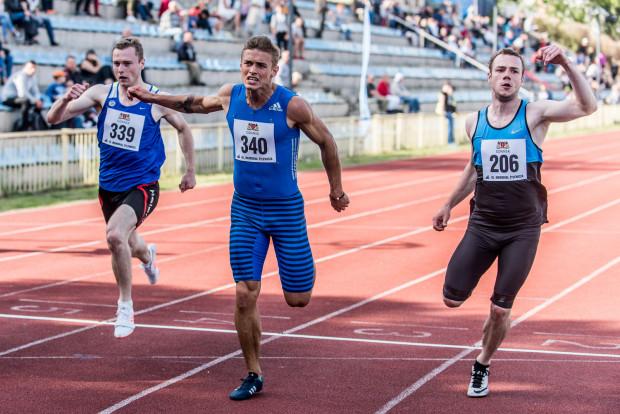 O szybkie bieganie w sprintach powinien zadbać m.in. Przemysław Słowikowski (w środku), który przed tygodniem ustanowił rekord życiowy na 100 metrów.