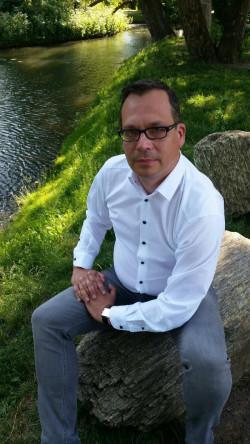 Marcin Strzelczyk jest członkiem Rady Miejskiej SLD w Gdyni i przewodniczącym Rady Dzielnicy Redłowo.