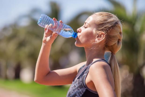 Najlepszym napojem zawsze jest woda, najlepiej mineralna.