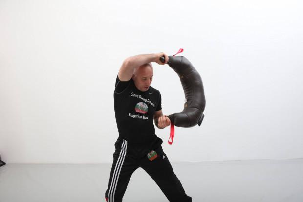 Iwan Iwanow opracował projekt worka bułgarskiego, gdy był szkoleniowcem olimpijskiej kadry zapaśników ze Stanów Zjednoczonych.