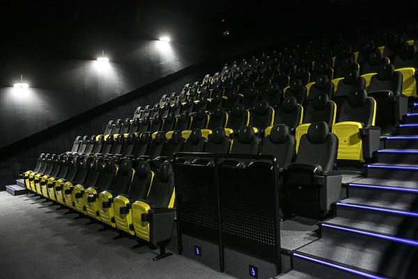 W Heliosie w Galerii Metropolia w gdańskim Wrzeszczu, podobnie jak w pozostałych kinach sieci, specjalną opcją dla widzów są podwójne kanapy. Podobne rozwiązanie możemy także znaleźć w Cinema3D.