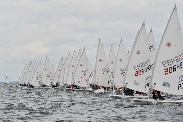 Blisko 200 żeglarek i żeglarzy wystartuje w poniedziałek w klasach laserowych Pucharu Gdyni. Będzie to główny sprawdzian przed zaplanowanymi na lipiec mistrzostwami świata, które również odbędą się w ramach Volvo Gdynia Sailing Days.