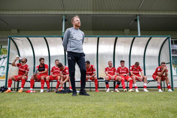 Piotr Stokowiec jest zadowolony z pracy, którą wykonali jego podopieczni podczas czerwcowych przygotowań w Gdańsku. Dlatego na zgrupowanie do Cetniewa zabrał 31 zawodników.