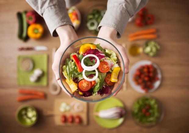Żeby zdrowo żyć wybierajmy zdrowe posiłki.