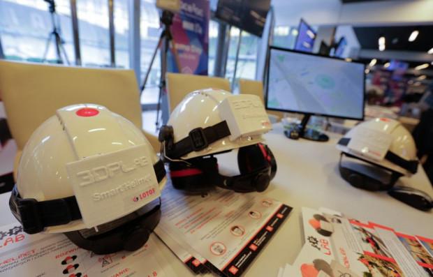 Inteligentne kaski z 3DPlab umożliwiają dokładną lokalizację pracowników w strefie przemysłowej.