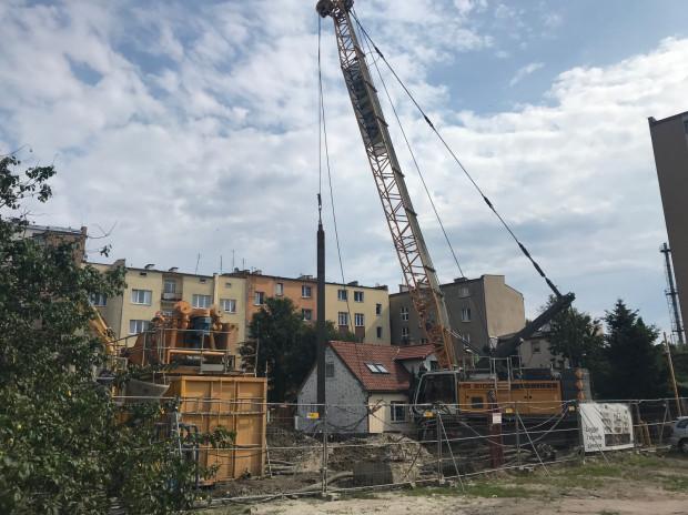 Wątpliwości mieszkańców dotyczą m.in. oddziaływania budowy przy ul. Żeromskiego na ich działkę i budynek.