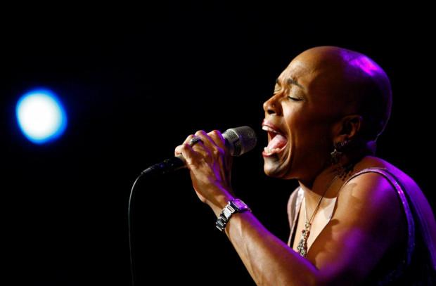 Dee Dee Bridgewater wraca na Ladies' Jazz po dziewięciu latach z nową płytą, ale w programie jej koncertu, który odbędzie się 20 lipca o godz. 20 w Teatrze Muzycznym nie zabraknie też i starszych przebojów.