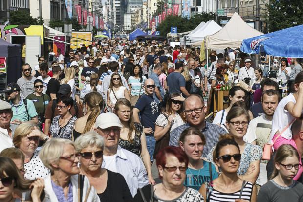 W czasie imprezy na ulicy Świętojańskiej należy spodziewać się tłumów. Swoje stoiska będzie miało ponad trzydziestu gdyńskich restauratorów.