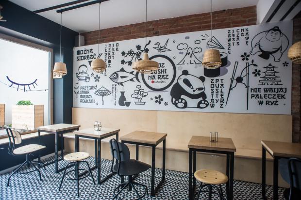 Oczywiśnie to lokal z sushi i pubową atmosferą.