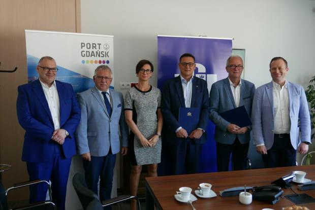 Podpisanie porozumienia pomiędzy Uniwersytetem Gdańskim i Zarządem Morskiego Portu Gdańsk.
