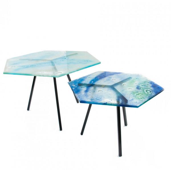 Stoliki heksagonalne z blatami ze szkła