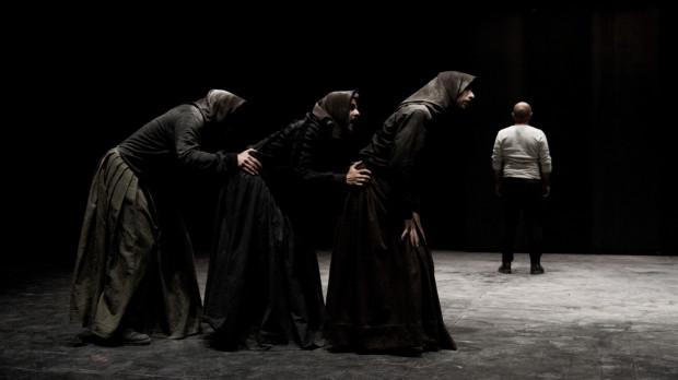 """Po raz pierwszy na Festiwalu Szekspirowskim usłyszymy język sardyński, w którym zagrają swojego """"Makbeta"""" artyści Sardegna Teatro i Compagnia Teatropersona z Włoch. Spektakl zagrany zostanie 4 i 5 sierpnia w Teatrze Szekspirowskim."""