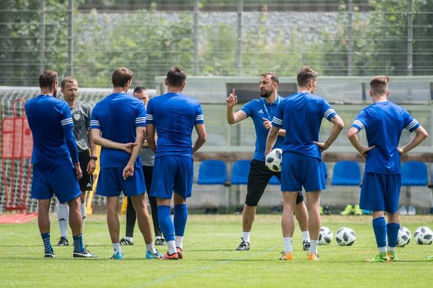Zbigniew Smółka przedstawił piłkarzom Arki Gdynia kilka zasad, których mają przestrzegać przede wszystkim wówczas, gdy nikt nie widzi.