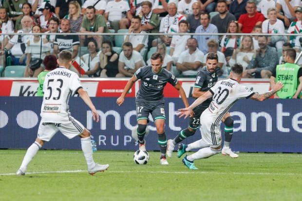 Obie drużyny nie były konkretne pod bramką przeciwnika. Najbardziej aktywni byli skrzydłowi: Lukas Haraslin (z piłką) i Sebastian Szymański, ale z ich strzałów lub dośrodkowań gole też nie padły.