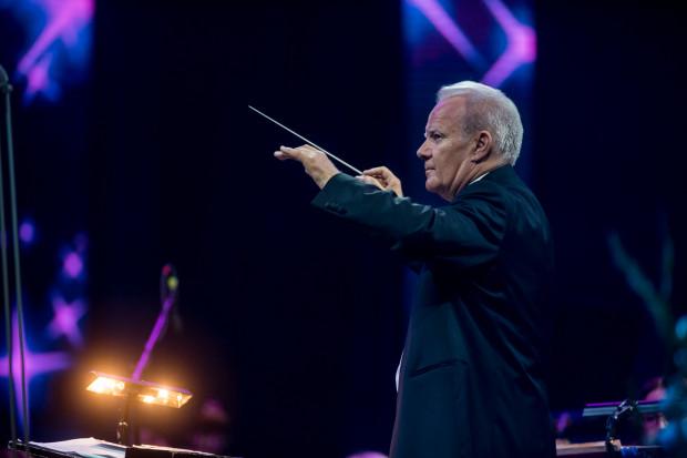 Wojciech Rajski bardzo starannie dobiera sobie muzyków, dlatego orkiestra Polskiej Filharmonii Kameralnej Sopot brzmi znakomicie nie tylko w kameralnej, ale i w symfonicznej odsłonie.