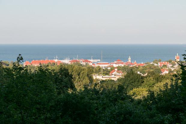 Widok ze Wzniesienia Strzeleckiego w kierunku sopockiego molo.