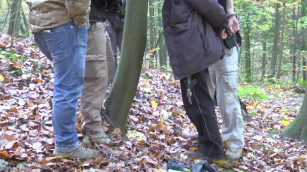 Zrabowane przez 54-latka szczątki udało się odzyskać. Sprawca zakopywał je w lesie nieopodal przystanku PKM Gdańsk-Brętowo.