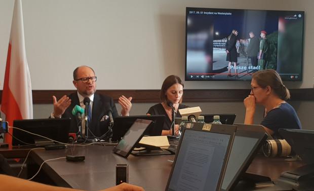 Prezydent Paweł Adamowicz na konferencji prasowej zażądał przeprosin od szefa MON.