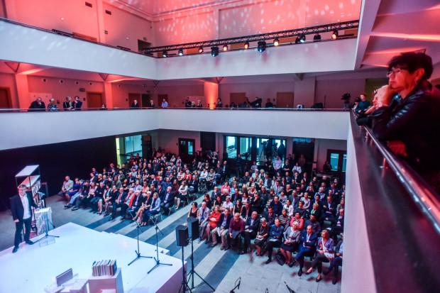 Jedną z głównych przestrzeni Festiwalu Miasto Słowa będzie Muzeum Miasta Gdynia, gdzie odbywać się będą spotkania z nominowanymi i laureatami Nagrody Literackiej Gdynia oraz panele dyskusyjne. Na zdjęciu Muzeum Emigracji w Gdyni, gdzie podobnie jak w ubiegłym roku odbędzie się gala Nagrody.