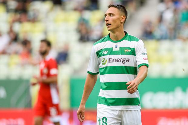 Jakub Arak (na zdjęciu) musiał wykazać się ogromną cierpliwością, aby doczekać się debiutu w Lechii Gdańsk. Trener Piotr Stokowiec wystawił napastnika od razu w pierwszym składzie, a ten odwdzięczył się golem.