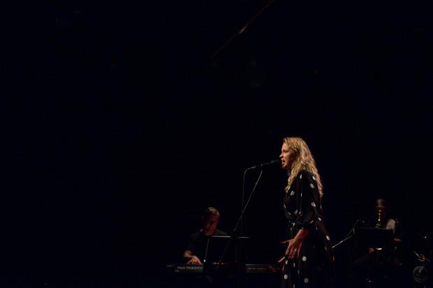 Jowita Kropiewnicka za pomysłowość i interpretacje trzech piosenek Agnieszki Osieckiej nagrodzona została w Sopocie drugim miejscem.