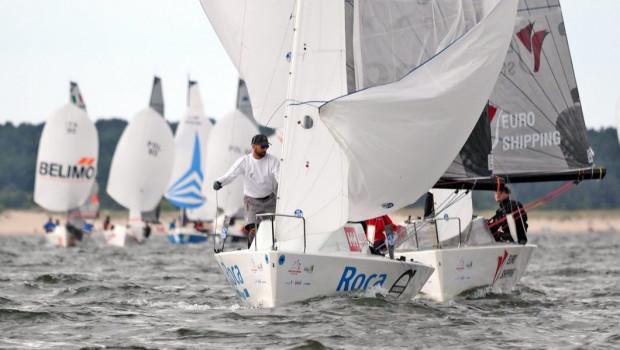 Dwie trójmiejskie załogi na czele mistrzostwa świata klasy Micro na jachtach: Roca i Euro Shipping