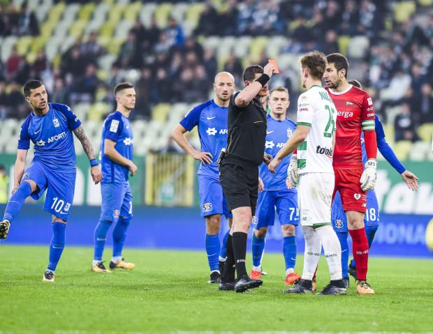 Michał Nalepa w 5 meczach tego sezonu uzbierał więcej żółtych kartek niż w 16 grach poprzedniego sezonu. Wówczas pauzował tylko raz po czerwonej kartce za faul taktyczny w spotkaniu z Lechem.