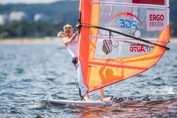 Zofia Noceti-Klepacka wygrała w środę dwa ostatnie wyścigi i objęła prowadzenie w rywalizacji seniorek w mistrzostwach Europy, które odbywają się w Sopocie.