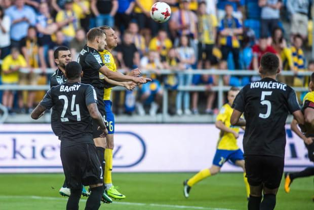 Adam Danch (nr 26) grudniowy mecz z ubiegłego roku w Kielcach okupił kontuzją kręgosłupa, która wymagała operacji. Od tamtego czasu w ekstraklasie po raz pierwszy zagrał w ostatniej kolejce.