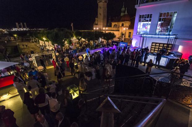 Bankiet na zakończenie 15-stej edycji zawodów Sopot Match Race zgromadził tłumy gości, które wypełniły tarasy Hotelu Sheraton w Sopocie.