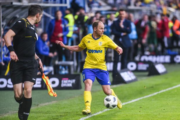 Rafał Siemaszko w tym sezonie znacznie częściej operuje przy linii bocznej boiska niż w polu karnym, gdyż został przestawiony z pozycji napastnika na lewoskrzydłowego.