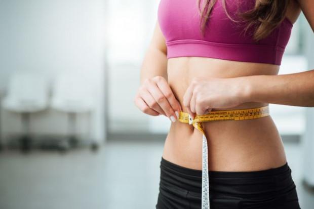 Jesień nie musi oznaczać dodatkowych kilogramów i centymetrów. Wystarczy trzymać się kilku prostych zasad, by utrzymać dobre samopoczucie i piękną sylwetkę.