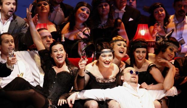 """""""Traviata"""" w Operze Bałtyckiej jest spotkaniem z wirtuozerską muzyką Verdiego i dużym talentem śpiewaków."""