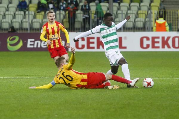 Gdy Lechia Gdańsk sposobi się do meczu z Koroną Kielce, Romario Balde (na zdjęciu) zdecydował się wrócić do Portugalii. Skrzydłowy nadal jest piłkarzem biało-zielonych, ale wypożyczonym do końca sezonu do Coimbry.