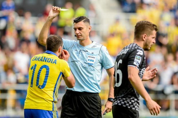 Piłkarze Arki Gdynia po meczu z Zagłębiem Sosnowiec mieli dużo zastrzeżeń do pracy arbitra Krzysztofa Jakubika.