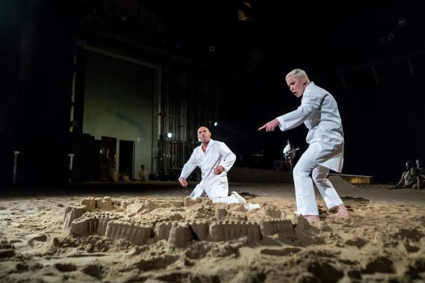 """""""Trojanki"""" według Eurypidesa inaugurują sezon 2018/2019 w Teatrze Wybrzeże i przegląd Wybrzeże Sztuki. Premiera odbędzie się 8 września na Dużej Scenie."""