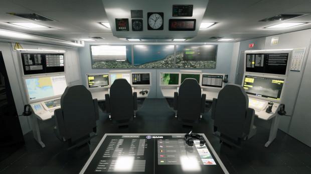 Wirtualne bojowe centrum informacji opracowano, by zademonstrować łatwość instalacji rozwiązań Saab na dowolnym okręcie. Model może również być wykorzystywany do szkolenia załóg jeszcze przed rozpoczęciem budowy lub przebudowy okrętu.