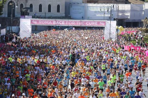 Race for the Cure to największe na świecie, najbardziej udane wydarzenie edukacyjne i charytatywne poświęcone rakowi piersi. 30 września na terenie Centrum Hewelianum odbędzie się pierwsza polska edycja imprezy. Na zdj. Race for the Cure w rzymskiej odsłonie.