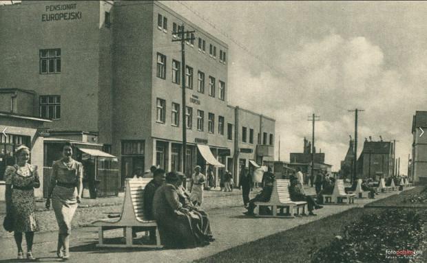 Ulica Portowa w Jastarni. Rok 1948