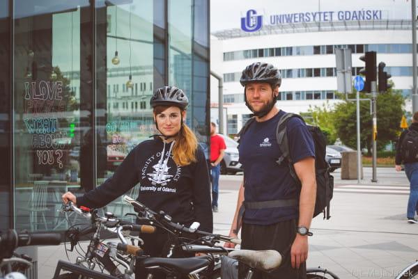 Naukowcy: Agnieszka Ważna i Tomasz Bieliński, chcą dowiedzieć się dlaczego jeździmy na rowerach.