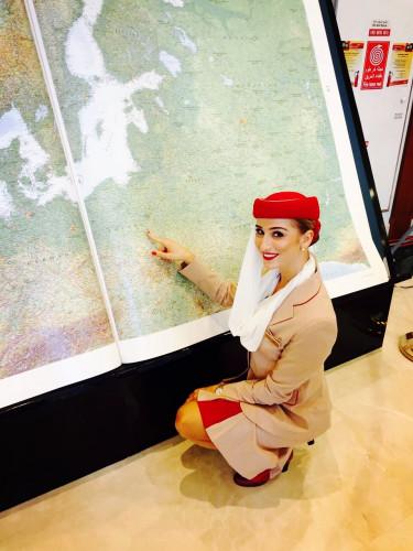 Praca stewardessy może być równie satysfakcjonująca, co stresująca.