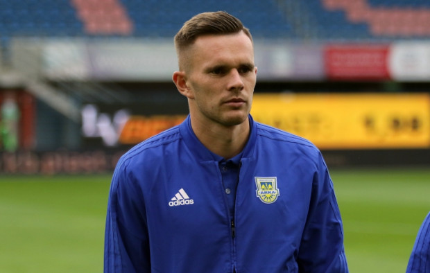 Adam Deja do kolejny piłkarz, który nie powinien mieć problemów ze zrozumieniem filozofii gry Zbigniewa Smółki, gdyż pracował już wcześniej z obecnym szkoleniowcem Arki Gdynia.