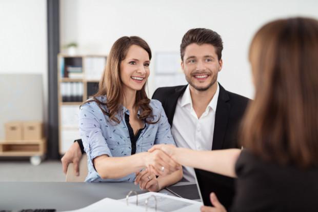 Leasing nieruchomości to doskonałe rozwiązanie dla osób, które nie uzyskają kredytu hipotecznego w banku.