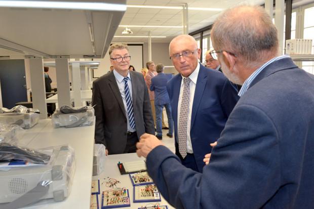 Z nowego laboratorium, w ramach zajęć dydaktycznych, będą korzystać przede wszystkim studenci kierunków związanych z fizyką, jak inżynieria materiałowa czy nanotechnologia.